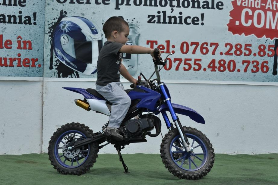 Descriere de vanzare dirt bike 49cc pentru copii pana 12